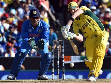 India vs Australia, 3rd ODI LIVE: Maxwell hits blistering fifty as Aussies edge close to target