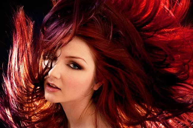 स्वयं बनाए अपने बालों को कलरफुल और बदलिए अपना लुक,जाने कैसे