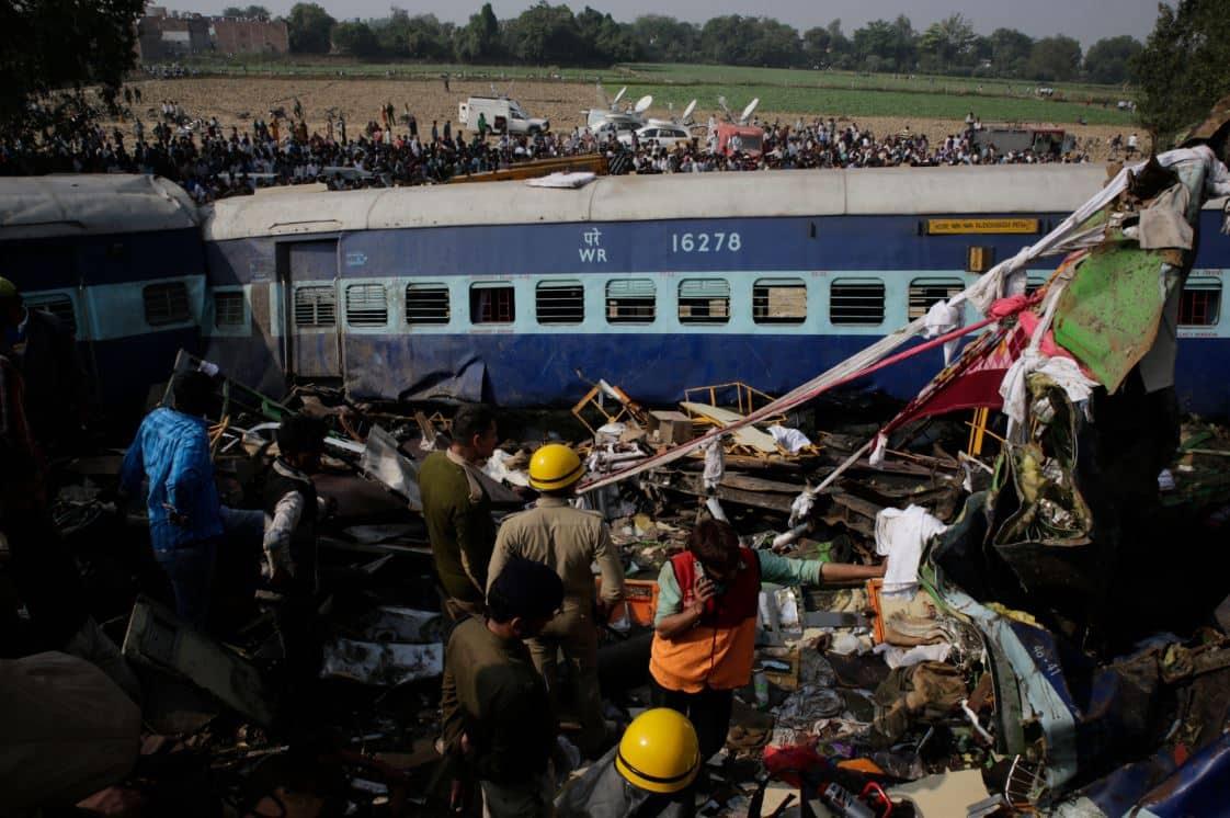हादसा या हादसा दिखाने की कोशिश ?:इंदौर पटना एक्सप्रेस 2016
